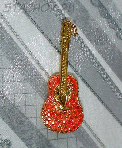 """Брошь """"Акустическая гитара"""" под золото, эмаль"""